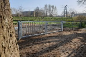 dubbele verzinkte poort